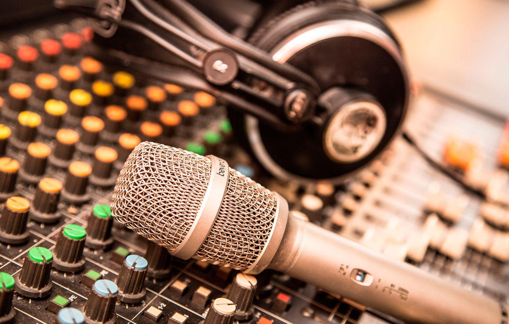 estudio-de-grabacion-voz-en-off-4