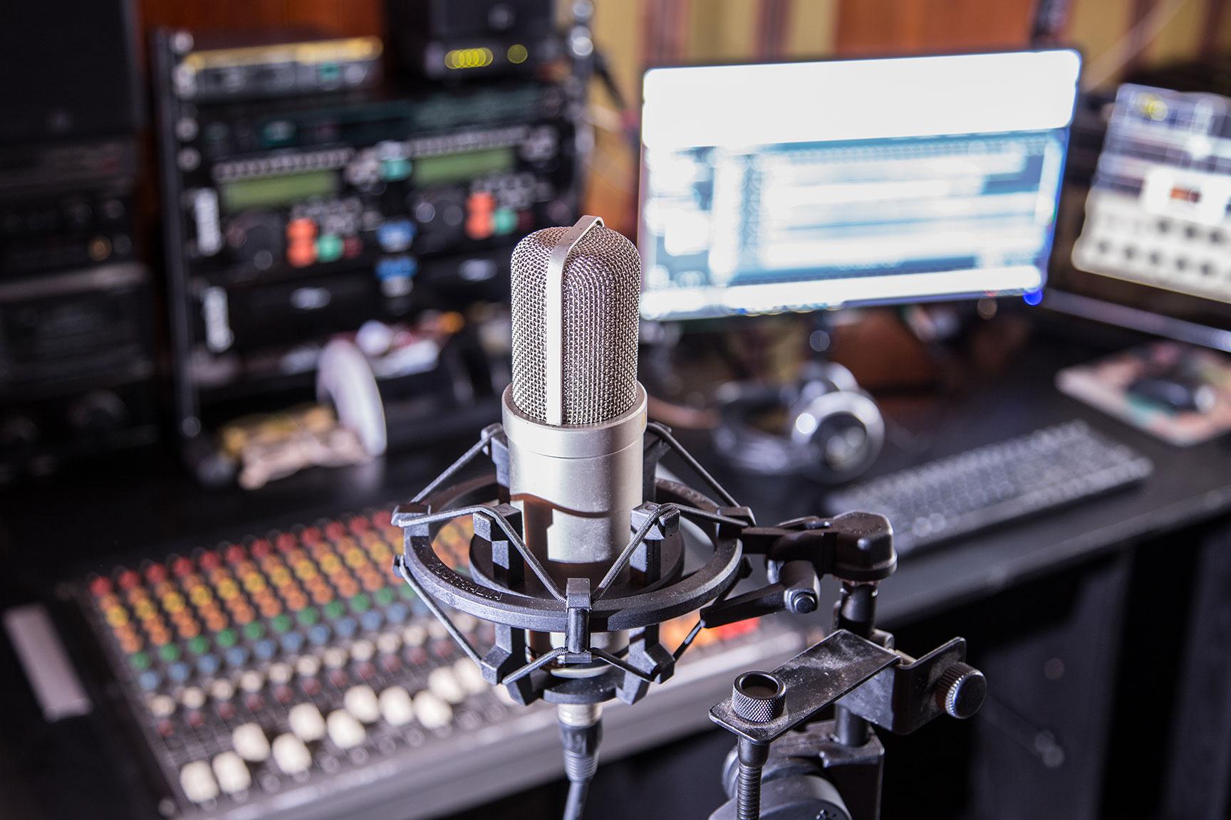 estudio-de-grabacion-voz-en-off-8